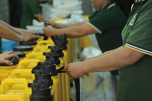Manual production line